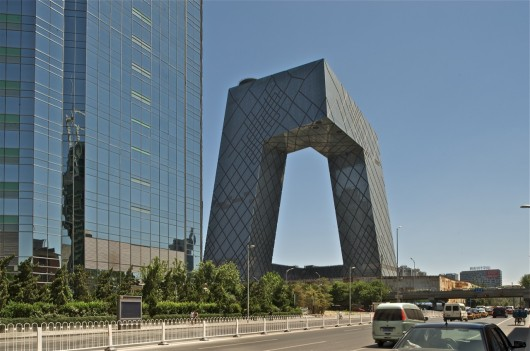 544662e4e58ece180a0000c2_why-china-s-president-says-no-more-weird-buildings-_1337357776-cctv-philippe-ruault-1-530x351