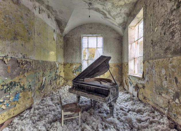 Photographer Christian Richter latest project is capturing images of old decaying architecture. Courtesy of The Independent, photo by Christian Richter