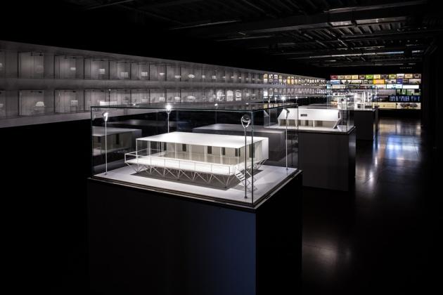 Travelling Exhibit: Dutch Design Supermodels Dec 15-Jan 11